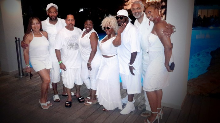 Couples St. Maarten Getaway All White Welcome Dinner